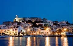 La imperdible vida nocturna de Ibiza