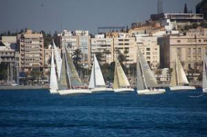 Sal a navegar a bordo de un velero