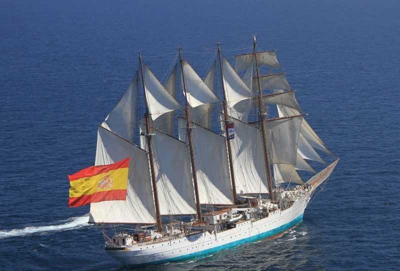 El barco Juan Sebastián de Elcano y su circunstancia