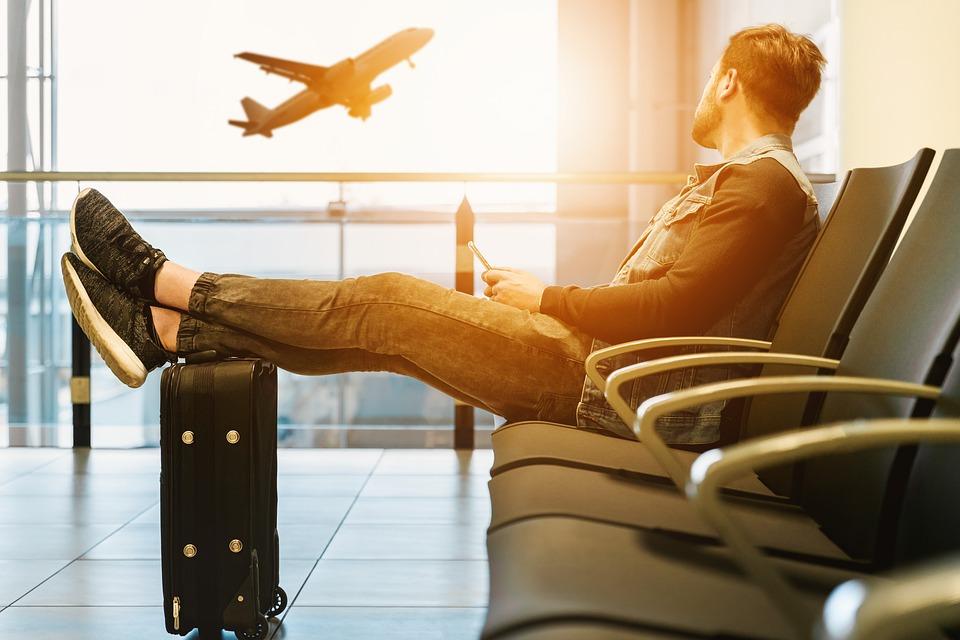 Los 4 mejores comparadores para encontrar un billete de avión más barato